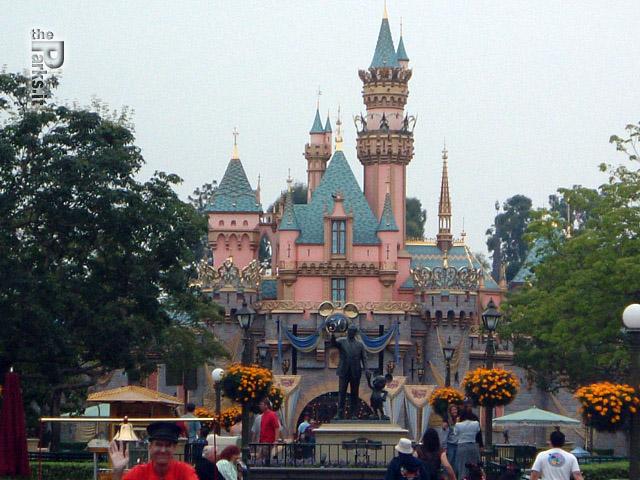 Disneyland Park (California) Il terremoto blocca Disneyland